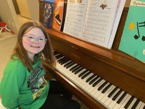 Abby Piano 211
